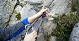 Image 3 – Do the same with the other carabiner