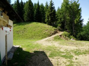 Cima del Cacciatore - the trail continues behind the chapel