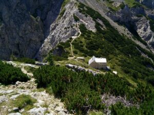 Skuta Trail - Mountain hut at Kokrsko Sedlo