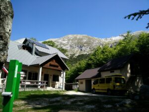 Vrh nad Skrbino Trail - Mountain hut