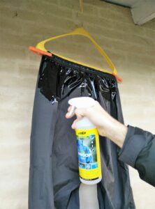 Re-waterproofing rainwear with DWR spray