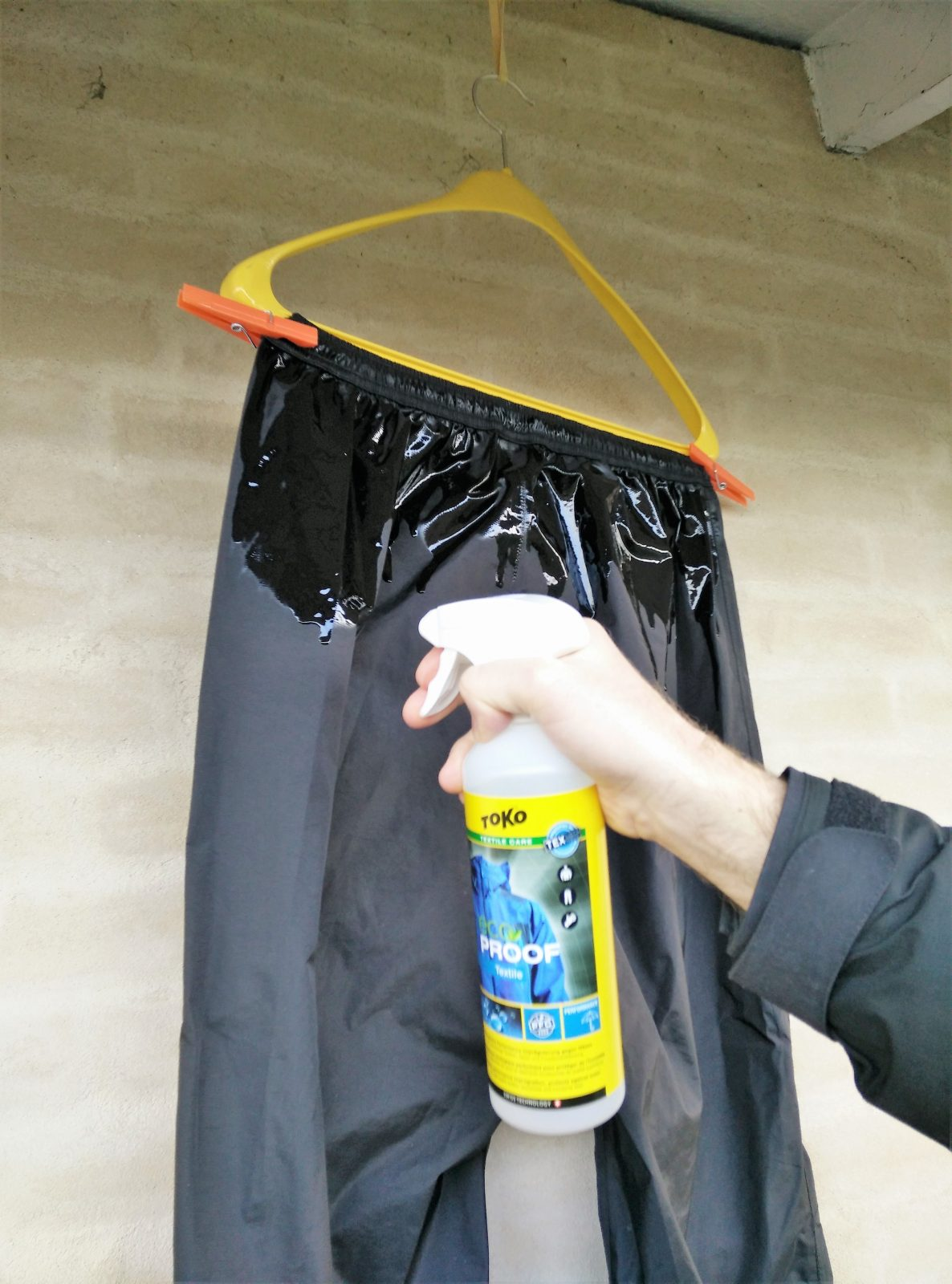 7eb45d900 How to re-waterproof your rain jacket and other rainwear? - Best Hiking