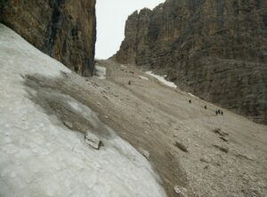 Sass Pordoi - The pass between the southern wall of Sass Pordoi (left) and the southern wall of the unnamed peak to the right