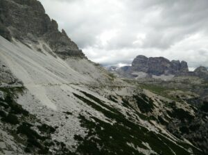 Tre Cime di Lavaredo: Path from Auronzo hut towards Lavaredo hut