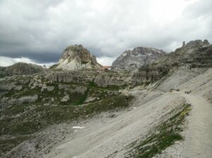 Tre Cime di Lavaredo: Hiking from Lavaredo hut towards Drei Zinnen hut, the Drei Zinnen hut is seen
