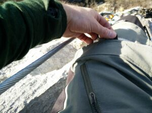 CimAlp Laos Hiking Pants: Thigh pockets are located on the front side and thus not suitable for bulky items