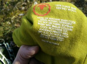 Isobaa Merino Beanie Hat: The label is printed to prevent chafing