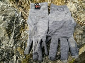 Isobaa Merino Liner Gloves: Both Gloves