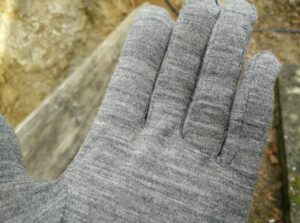 Isobaa Merino Liner Gloves: The fabric is very smooth/soft and thus the gloves are comfortable to wear
