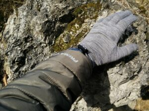 Isobaa Merino Liner Gloves: The gloves fit tightly as a pair of liner gloves should