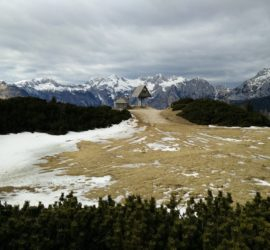 Velika Planina Trail: View on the Kamnik Alps from the plateau