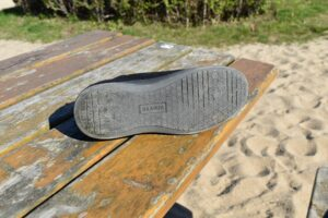 Baabuk Urban Wooler Shoes: The sole is flat and doesn't provide much cushioning